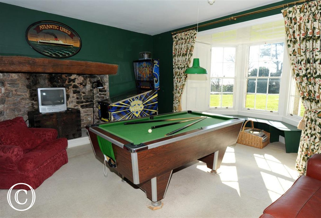 Separate children's lounge with colour TV, Pinball & pool.