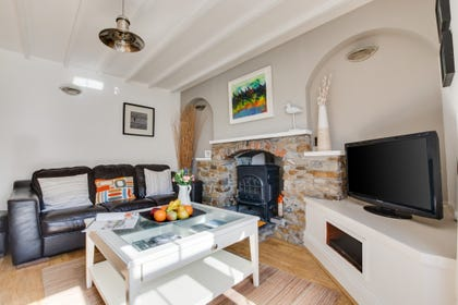 Self catering holiday accommodation in Saundersfoot with comfortable lounge area