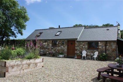 Love Cottage begelly ideal for couples