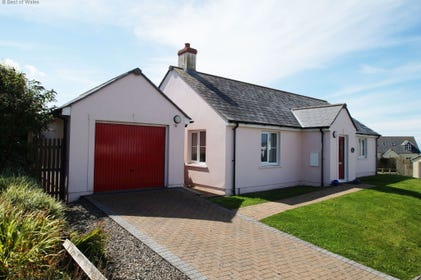 Hafan Aber Llydan's luxury, modern Broad Haven accommodation